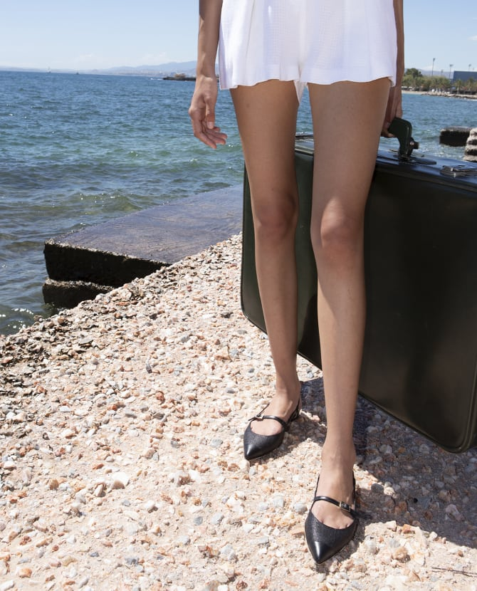 <h3>THE KALOGIROU COLLECTION</h3><br><p>Ανακαλύψτε τη Made-in-Greece συλλογή με έως 80% off</p>